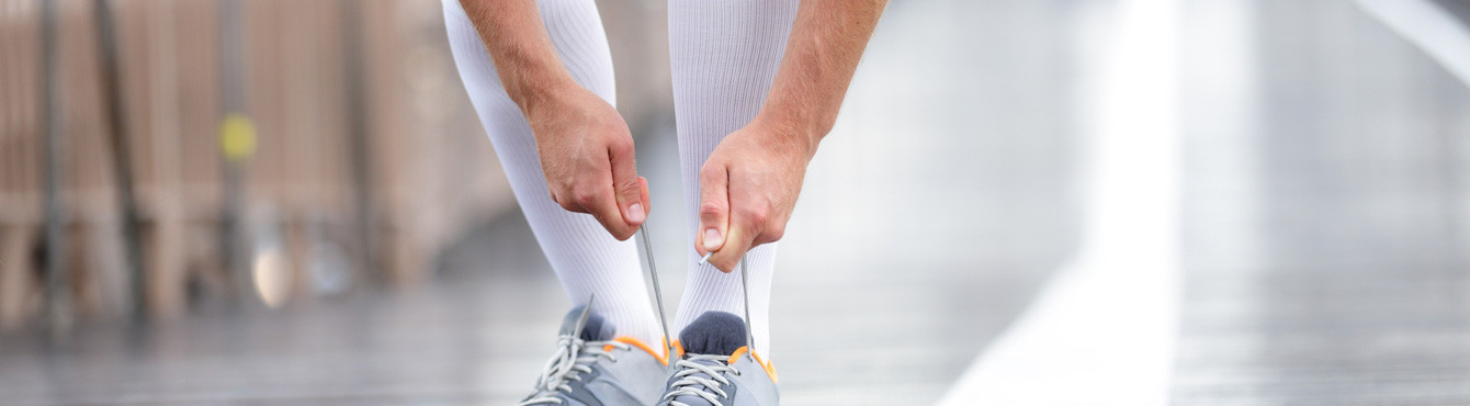 Sale of technical socks of high cane for the practice of the sport